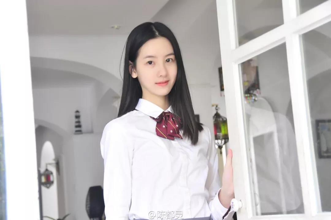 从清纯少女到精致御姐范儿,陈都灵如何做到碾压众多一线女星?